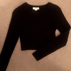 Black cropped long sleeve!